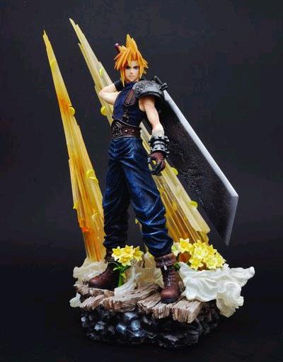 Final Fantasy VII Static Arts: Cloud Statue
