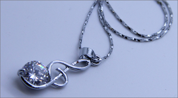 Hatsune Miku Music Note Necklace