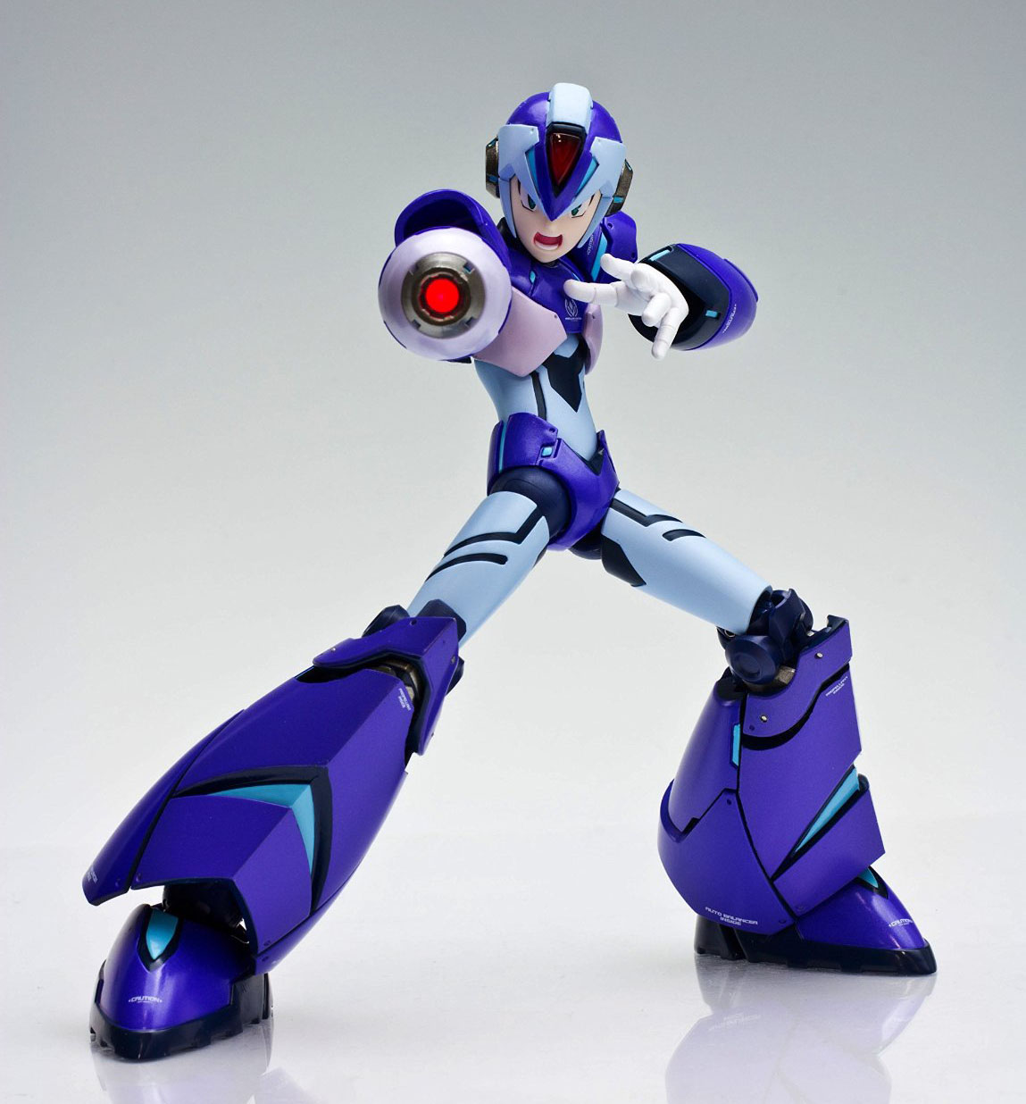 Designer-Series-Mega-Man-X-Fig