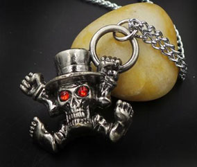 One Piece: Skull with Top Hat Necklace