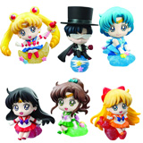 Sailor Moon Petit Chara Land Figure W/ Make Up and Candy