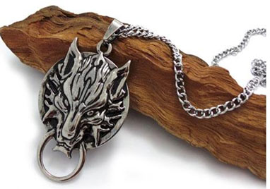 Final Fantasy Cloud Symbol Fenrir Wolf Head Necklace