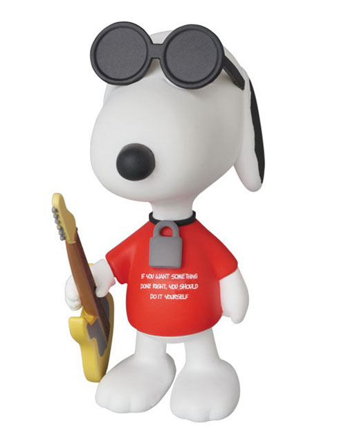 Peanuts Punk Snoopy Ultra Detail Figure