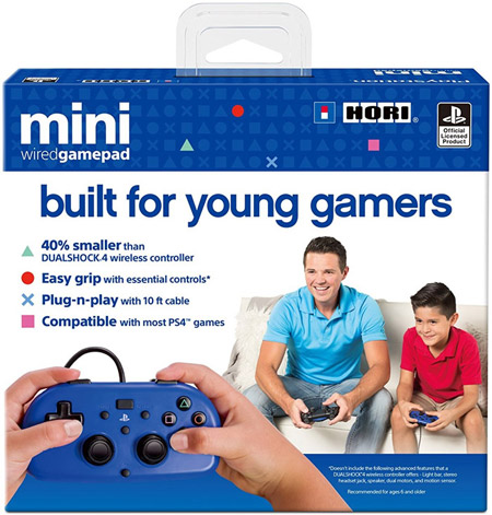 Child-and-adult-holding-hir-mini-wired-gamepad
