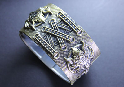 Final Fantasy VII: Cloud Symbol Fenrir Gold Cuff Bracelet